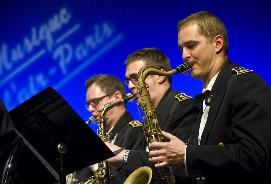 saxophonistes-de-la-musique-de-l-air