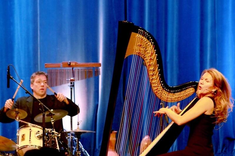 Maria Palatine, Gesang Harfe
